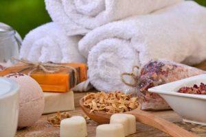 Handtücher und Bademäntel SPA