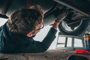 Reinigung von Arbeitskleidung für Automechaniker und mechanische Werkstätten